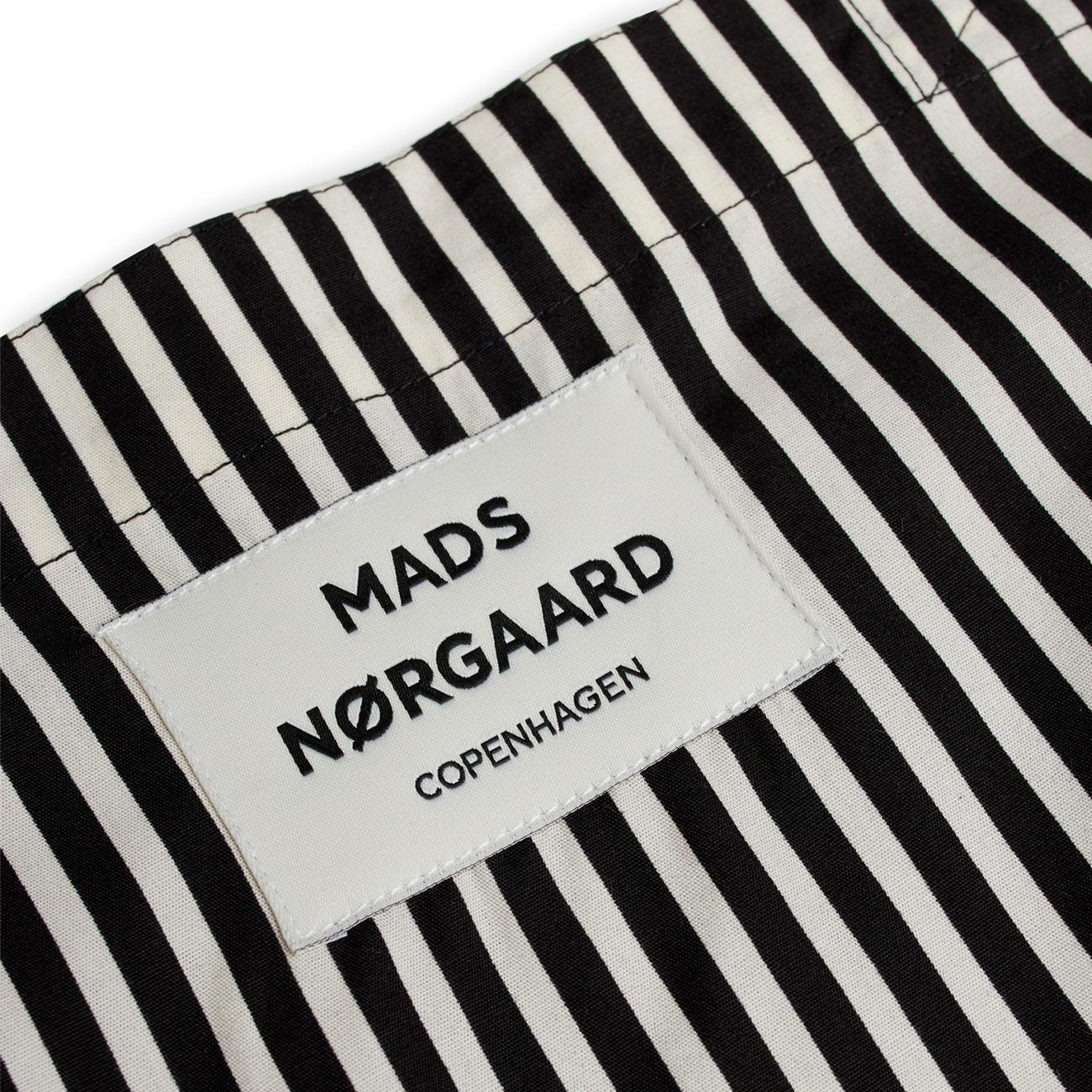 200192-7559-mads-noergaard-sacky-atoma-net-black-off-white2