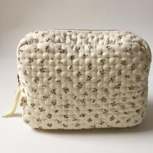 Konges-Sloejd-big-quilted-toiletry-bag-toilettaske-petit-amour-rose
