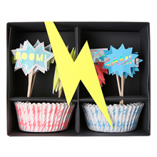 Meri-meri-cupcakes-muffins-decoration-lightning
