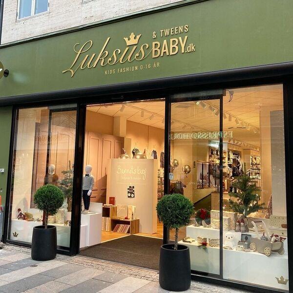 /images/Luksusbaby-butik-facade.jpg