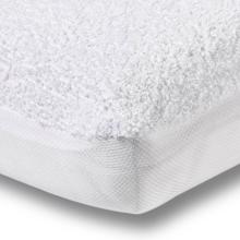 charlie-crane-pude-mattress-protector-cover-1