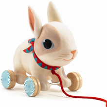 djeco-legetoej-toy-play-leg-pull-along-kanin-rabit-1