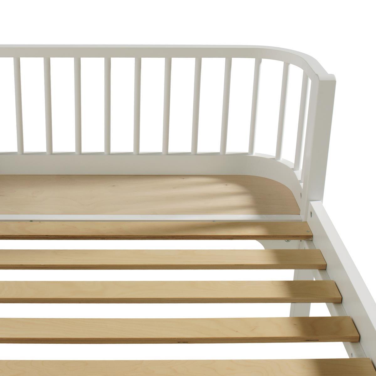 Oliver Furniture Wood Seng