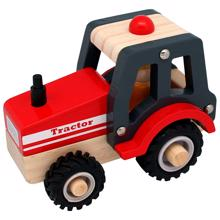 magni-traktor-trae-roed-tractor-wooden