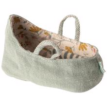 maileg-carry-cot-babylife-lift-dusty-green-11-9403-00