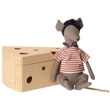 maileg-rotte-i-ostekasse-rat-in-cheesebox-grey-graa-16-9970-00