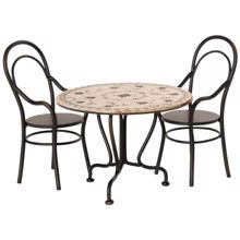 maileg-vintage-spisebord-saet-med-to-stole-dining-table-with-two-chairs-11-0114-00-1