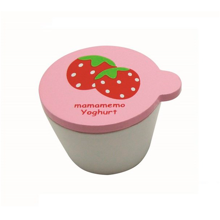 mamamemo-jordbaer-yoghurt-strawberry-small-play-toys-leg