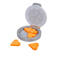 mamamemovaffeljern-waffleiron-waffles-vafler-legemad-food-woodentoys-play-toys-leg-1