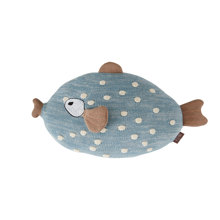 oyoyliving-oyoy-littlefinn-fish-blue-fisk-blaa-room-cushion-pude-pyntepude