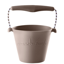 scrunch-bucket-warmgrey-graa-lysgraa-spand-strand-bucket-beach-play-toys-leg-4